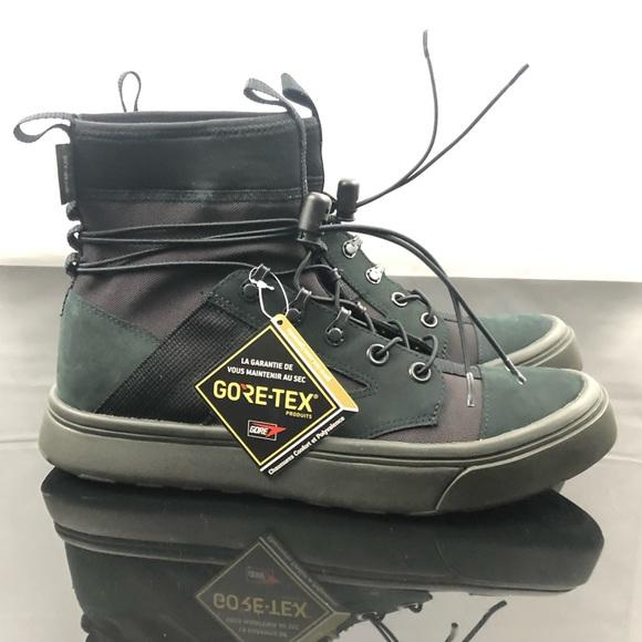 los angeles 4d8c3 05633 Converse GoreTex Jump High Top Urban Utility Boot